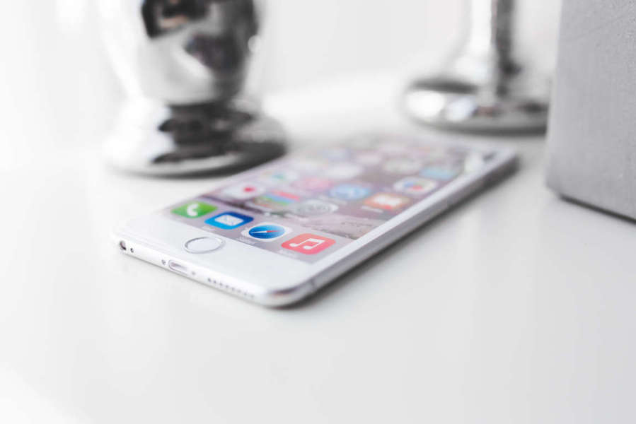 apple-iphone-technology-white